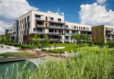 Flächensparende Stadthäuser im Grünen